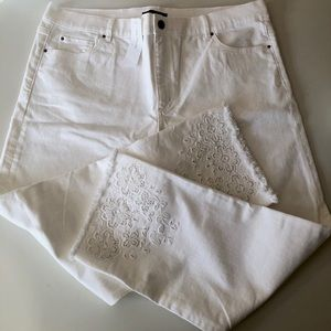 ankle jeans,White,embroidery,new with tags